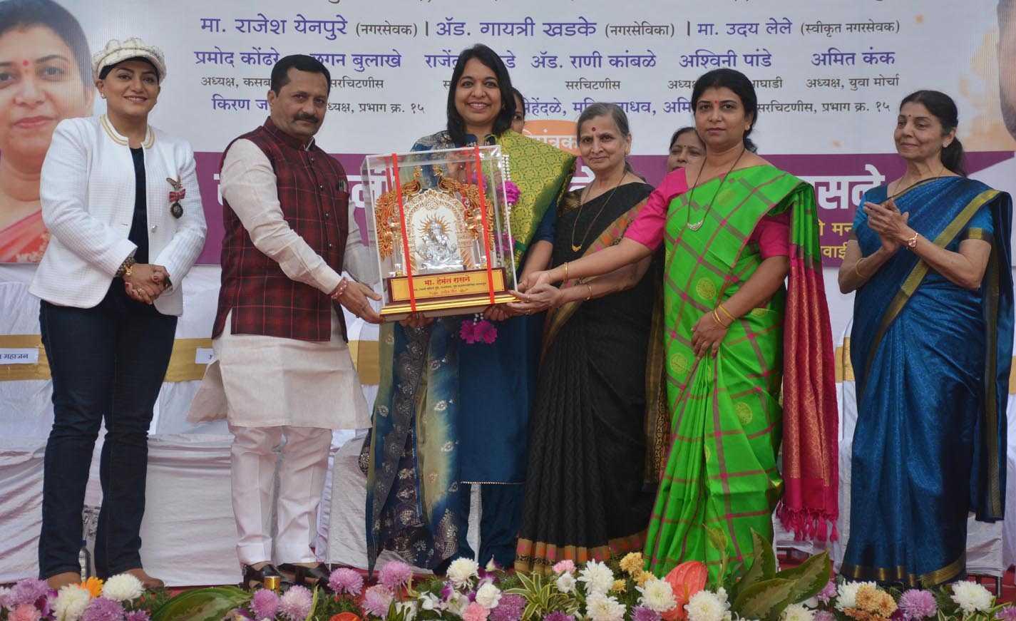 कोणतीही स्त्री ही अबला असू शकत नाही -ज्येष्ठ साहित्यिक डॉ. आरती दातार