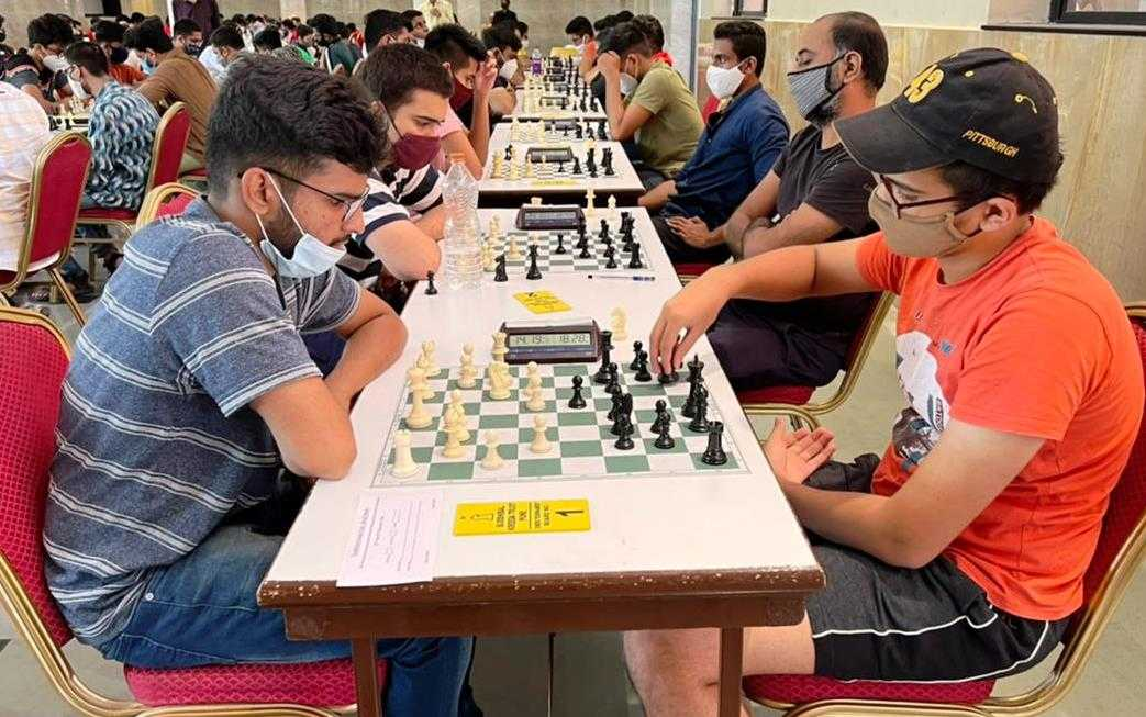 18व्या श्री महेश्वरानंद सरस्वती मेमोरियल महाराष्ट्र खुल्या रॅपिड रेटिंग बुद्धिबळ स्पर्धेत आठव्या फेरीअखेर आदित्य सामंत, विक्रमादित्य कुलकर्णी आघाडीवर