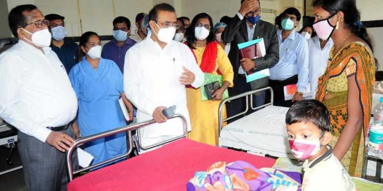 रुग्णांना सेवासुविधा उपलब्ध करुन देण्याला प्राधान्य द्या – आरोग्यमंत्री राजेश टोपे
