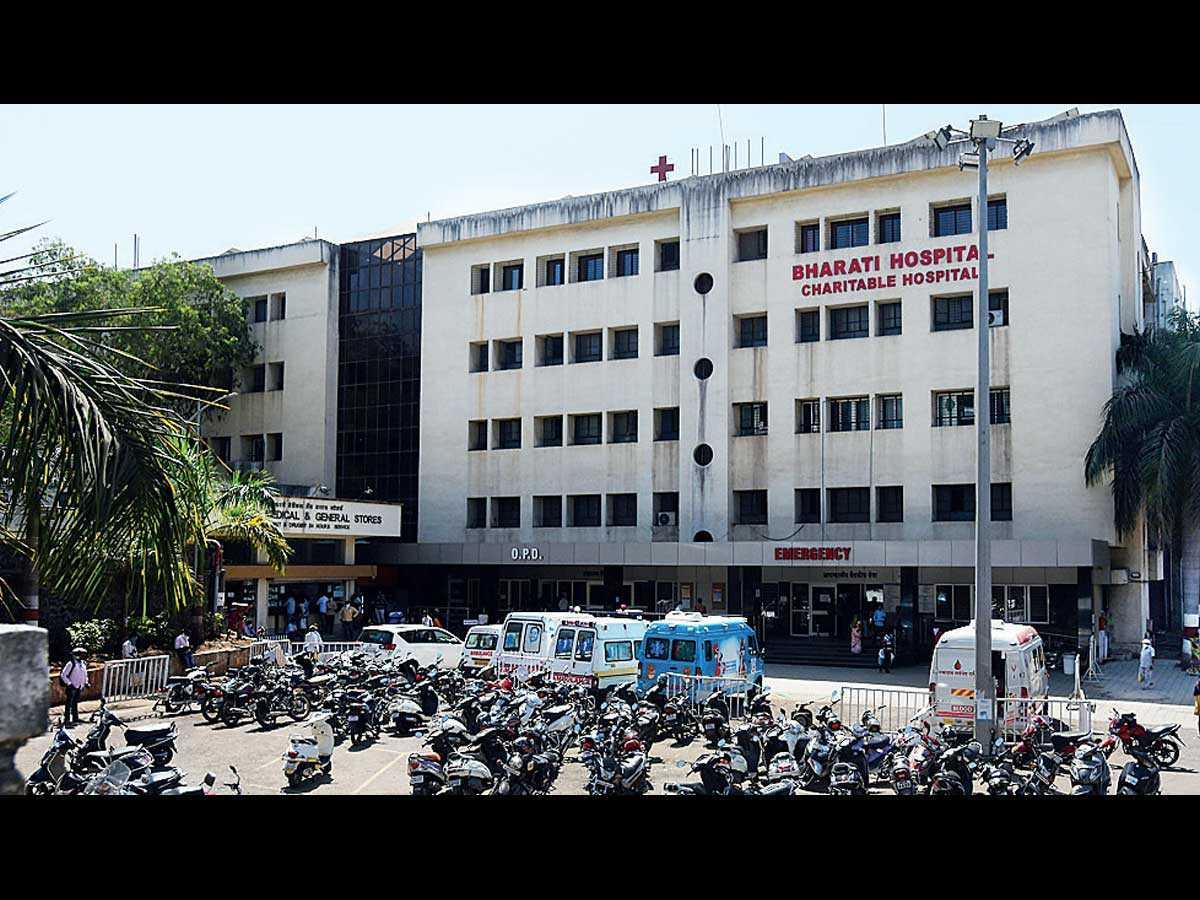 भारती हॉस्पिटलच्या आवारात रिक्षावाल्यांकडून प्रवाशांची लुट