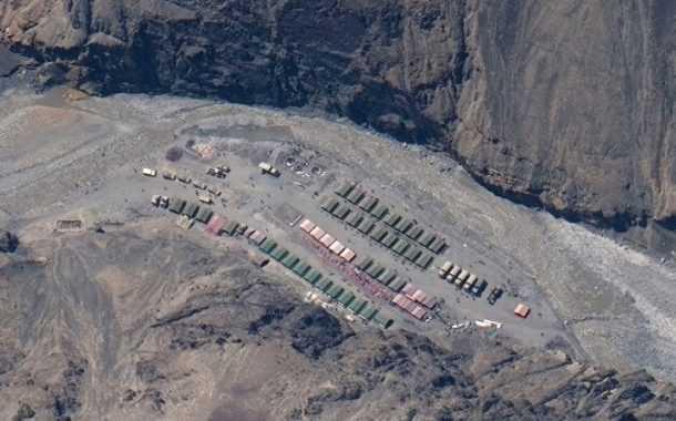 लडाखजवळील सीमेवर भारत आणि चीनचे  50-50 हजार सैनिक तैनात