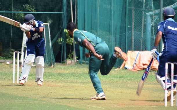 दोशी इंजिनियर्स करंडक आंतरक्लब 25 वर्षांखालील निमंत्रित क्रिकेट स्पर्धेत व्हेरॉक वेंगसरकर क्रिकेट अकादमी संघाचा उपांत्य फेरीत प्रवेश
