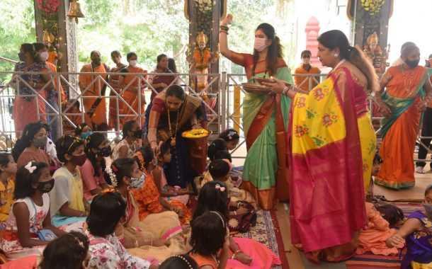 विसाव्या पुणे नवरात्रौ महिला महोत्सवात कन्यापूजन कार्यक्रम संपन्न