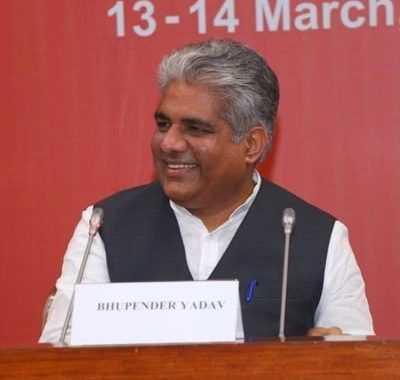 4 कोटींपेक्षा अधिक असंघटित कामगारांची ई – श्रम पोर्टलवर नोंदणी, असंघटित कामगारांवरील भारताचा पहिला राष्ट्रीय डेटाबेस