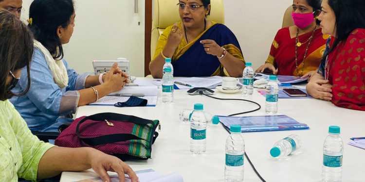 'माविम'च्या कर्मचाऱ्यांचे प्रश्न लवकरच मार्गी लावणार – महिला व बाल विकास मंत्री ॲड.यशोमती ठाकूर